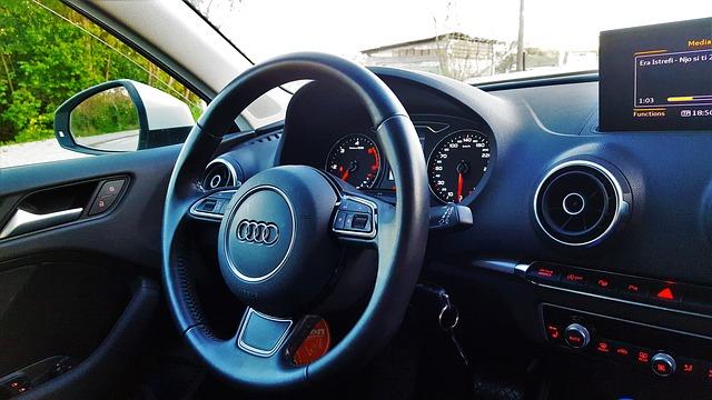 панель элетрооборудования современного автомобиля